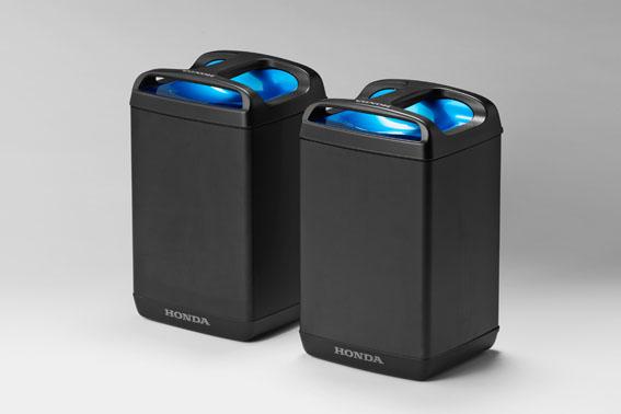 画像: 持ち運び充電できるバッテリーは一充電で87㎞の航続距離を実現