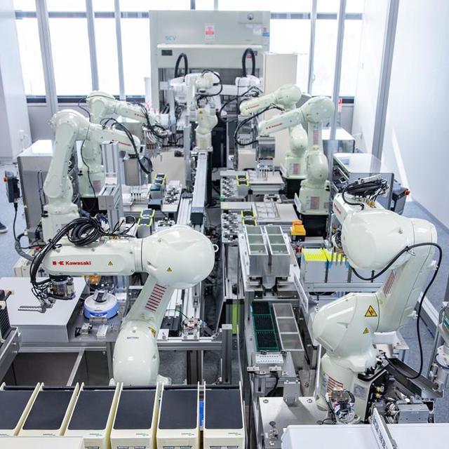画像: 人の移動の早期回復への貢献が期待されるPCR検査ロボットシステム(デモ設備)