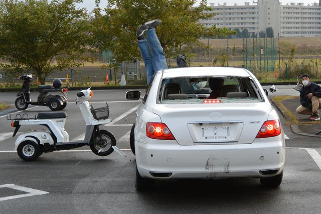 画像4: 宅配ライダーが安全運転技術披露 「第17回デリバリー業安全運転競技会」 団体部門優勝はピザーラチーム