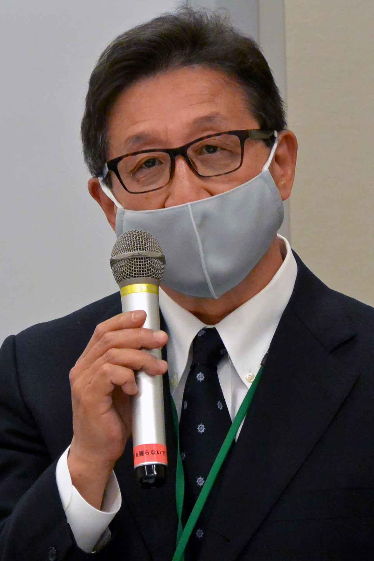 画像: 来賓を代表してあいさつするMFJの鈴木会長