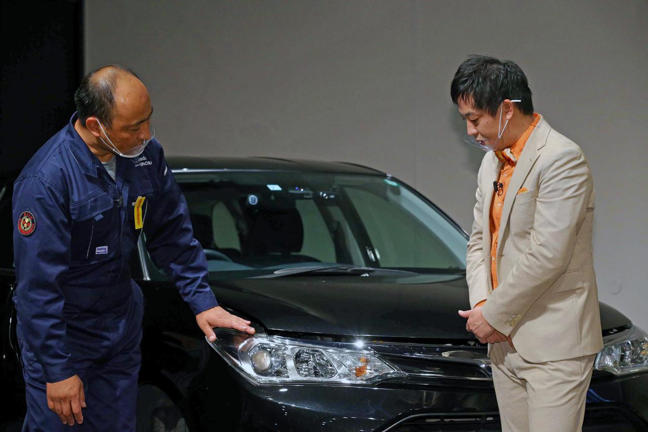画像: 1級自動車整備士から日常点検のアドバイスを受ける森田さん