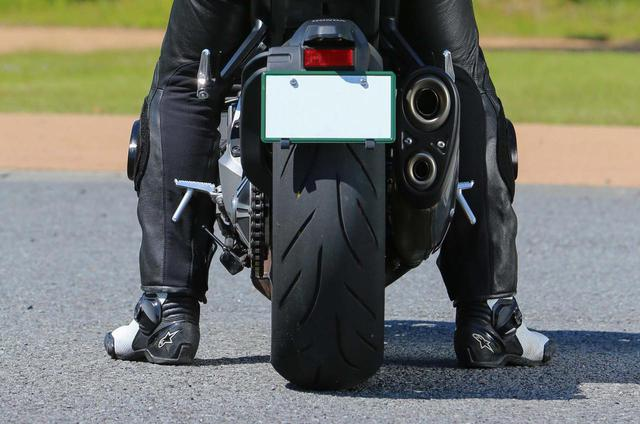 画像2: ホンダ CB1000R ライディングポジション&足つき性