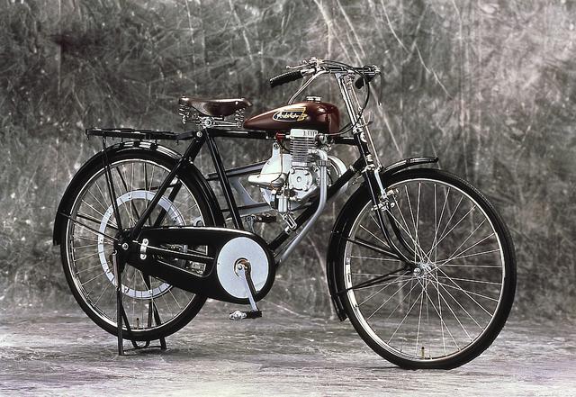 画像: ホンダの1号車はA型 これも自転車搭載用エンジンですね