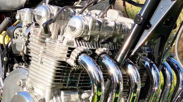 """画像: [6気筒] """"1396 スーパー6""""の心臓部が車体に載りました!! [Z1カスタム!!] - LAWRENCE - Motorcycle x Cars + α = Your Life."""