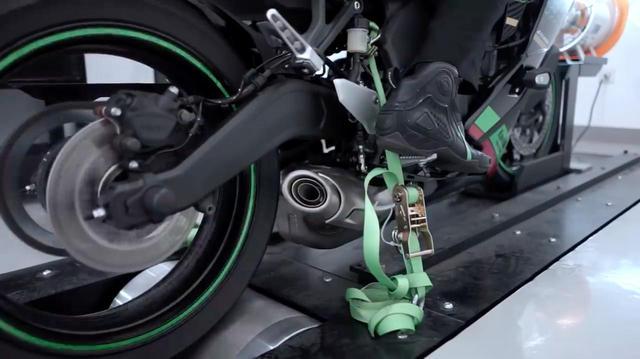 画像: [Kawasaki] カワサキ Ninja ZX-25Rの250cc・4気筒サウンドをお楽しみください・・・という動画をご紹介します!! - LAWRENCE - Motorcycle x Cars + α = Your Life.
