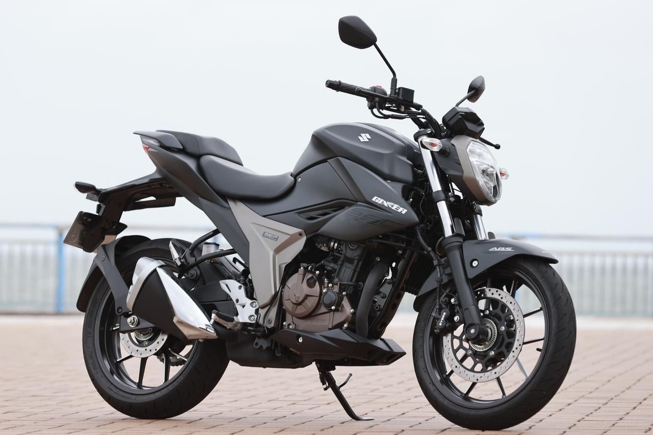 画像: SUZUKI ジクサー250 総排気量:249cc エンジン形式:油冷4ストSOHC4バルブ単気筒 発売日:2020年6月17日 メーカー希望小売価格:税込44万8800円