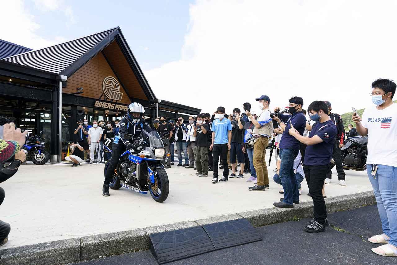 画像: 全日本ロードレース岡山大会が中止になったことで、急きょ加賀山就臣選手も来場してくださいました。ユッキーのテイストofツクバでの最速カタナ乗りとしての顔もすっかり浸透していますね