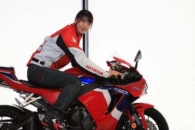画像1: バイクに乗るのが『ラク』だから着ているという事実