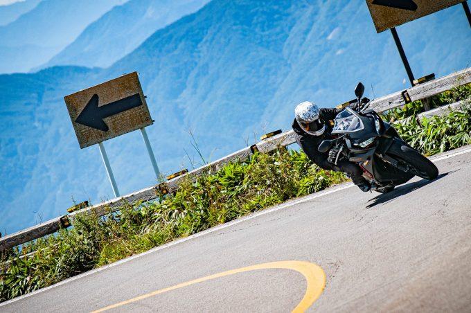 画像: 一般公道で楽しむ大型スポーツバイクとして