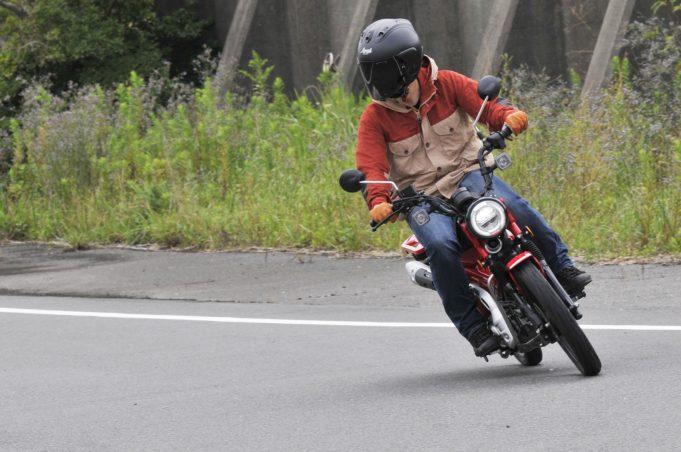 画像5: ① 走行中に2速から1速に落とすと強烈にエンジンブレーキが!