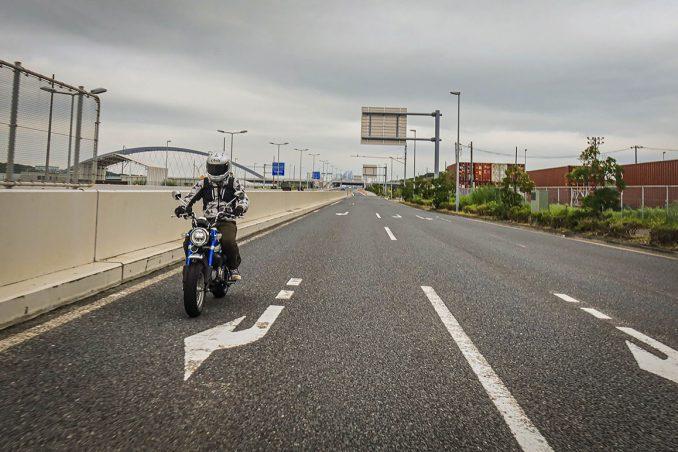 画像2: 街乗りは快適そのもの! ストリートバイクとしても完成されている