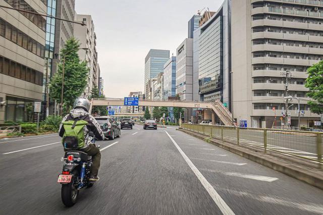 画像1: 街乗りは快適そのもの! ストリートバイクとしても完成されている