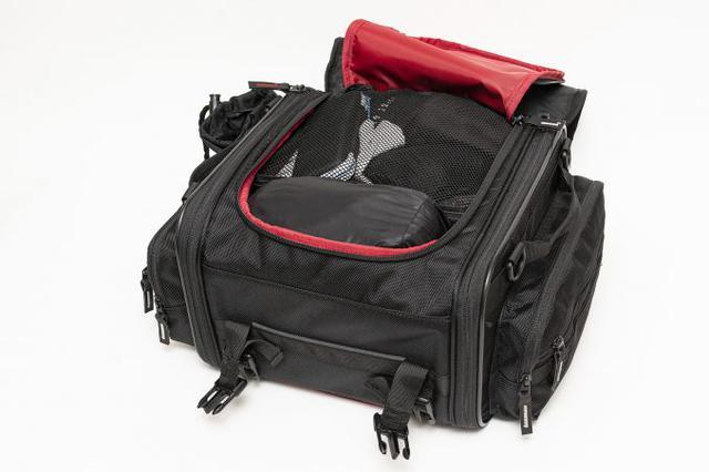画像4: 20リットル前後のシートバッグがあれば泊まりのツーリングもできる!