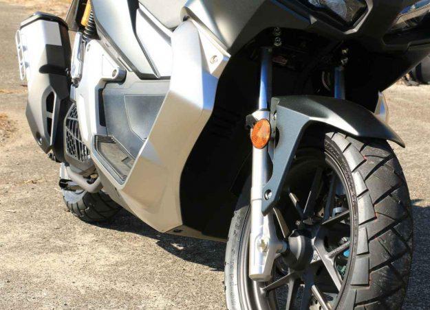 画像2: 気軽に誰でも楽しめるバイク『ADV150』