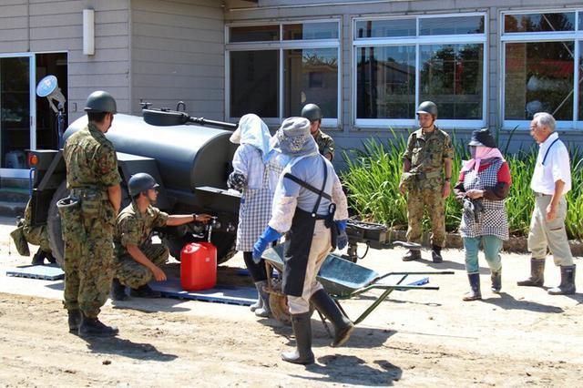 画像: 大雨災害派遣 給水・給食支援|神町駐屯地