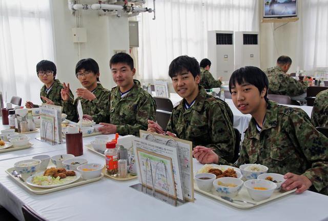 画像3: 中高生が自衛隊職場体験|三軒屋駐屯地