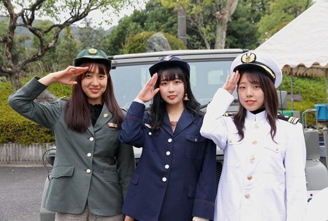 画像1: 大学学園祭で自衛隊PR|山口地本