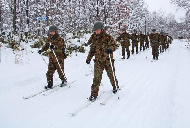 画像3: スキー機動で訓練始め|岩見沢駐屯地