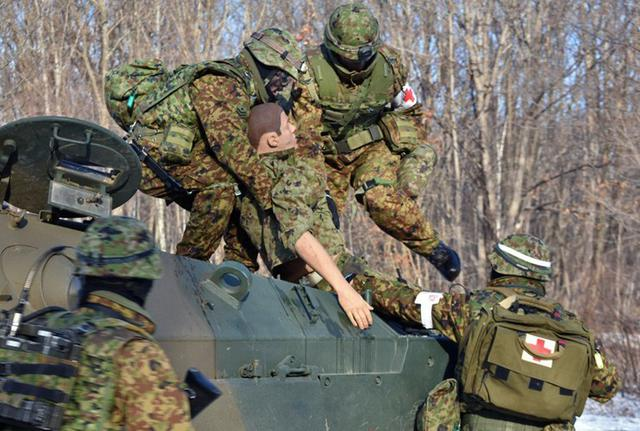 画像1: 戦傷治療を演練 救命率向上を徹底|陸自7師団