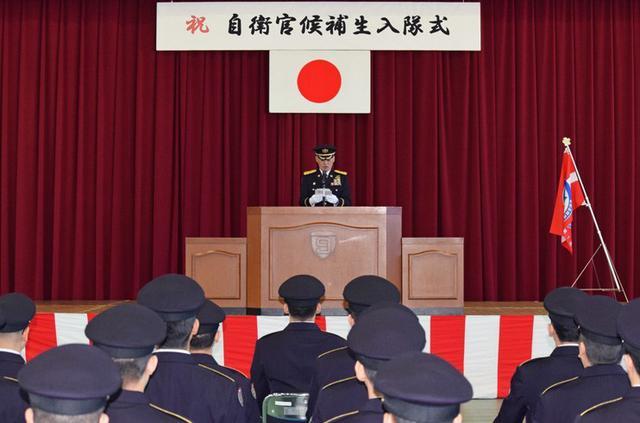 画像2: 「立派な自衛官に」自候生入隊式|青森駐屯地
