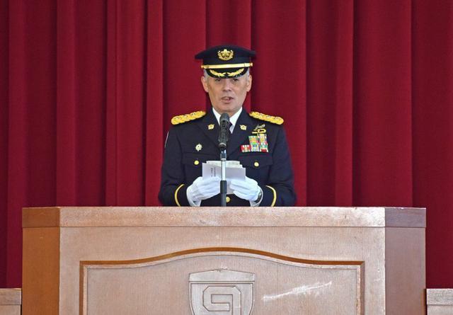画像3: 「立派な自衛官に」自候生入隊式|青森駐屯地