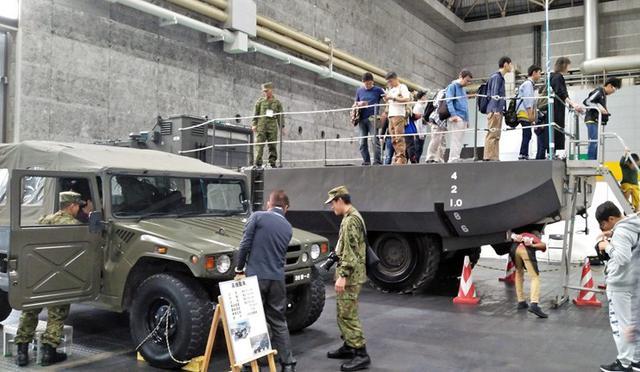 画像6: ホビーフェスで自衛隊をPR|大阪地本