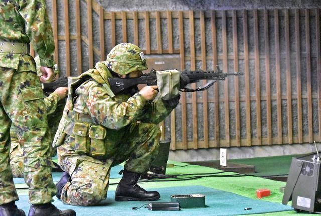 画像1: 小銃・機関銃 射撃技術競い合う|豊川駐屯地