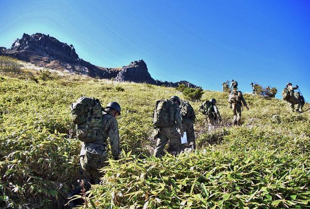 画像2: 北アルプス焼岳で山地機動訓練|守山駐屯地