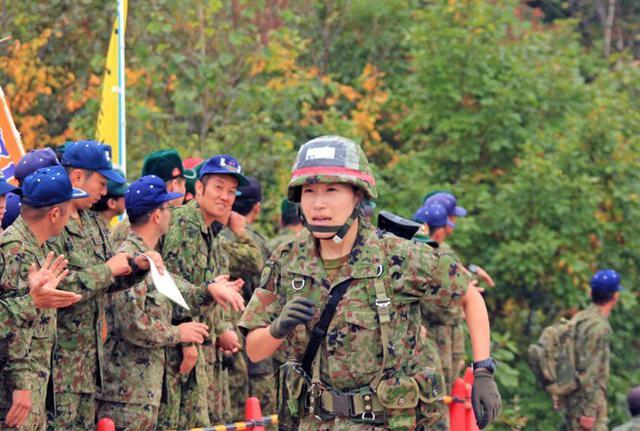 画像4: 武装走競技会 780人激走|陸自5旅団