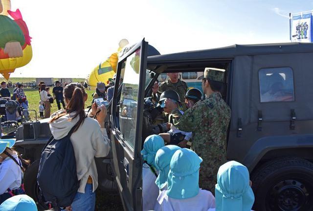 画像3: バルーンフェスタで自衛隊PR|佐賀地本