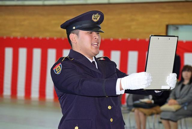 画像6: 「立派な自衛官に」自候生入隊式|青森駐屯地