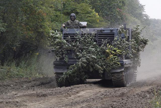 画像5: 敵の上陸を阻止 火力戦闘を演練|北千歳駐屯地