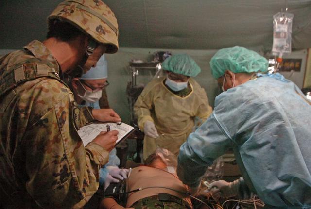 画像2: 105野外病院隊の訓練を検閲|仙台駐屯地