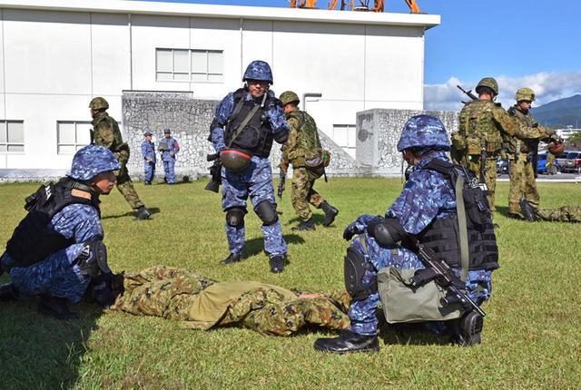画像1: 陸海空自共同で基地警備訓練|北熊本駐屯地