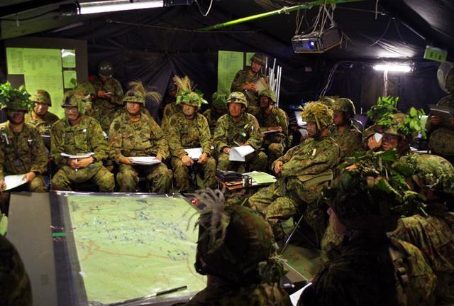 画像1: 部隊精強化へ 防御戦闘訓練|高田駐屯地