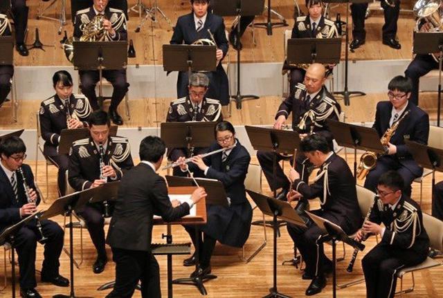 画像1: 恒例クリスマスコンサートに聴衆660人|函館駐屯地