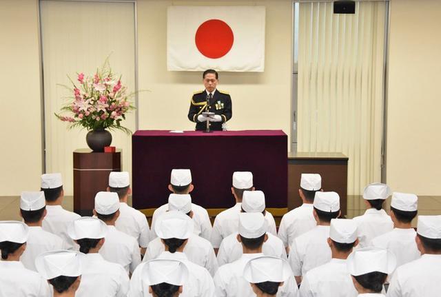 画像5: 准看護師課程学生 戴帽式|自衛隊札幌病院