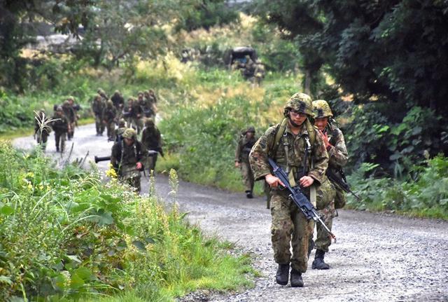 画像2: 部隊精強化へ 防御戦闘訓練|高田駐屯地