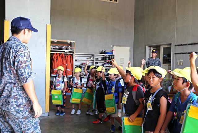 画像2: 小学生・高校生の基地見学に協力|空自静浜基地