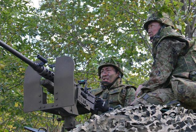 画像1: 敵の上陸を阻止 火力戦闘を演練|北千歳駐屯地
