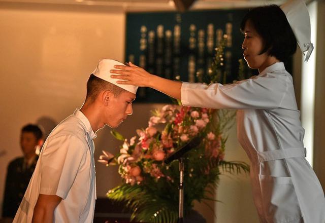 画像2: 准看護師課程学生 戴帽式|自衛隊札幌病院