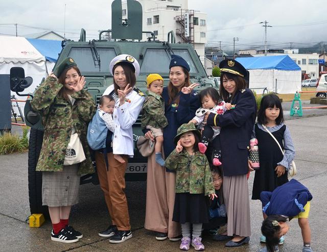 画像3: 佐渡で海自ミサイル艇「うみたか」公開|新潟地本
