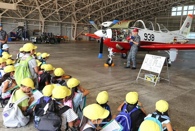 画像4: 小学生・高校生の基地見学に協力|空自静浜基地