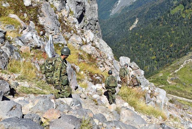画像10: 北アルプス焼岳で山地機動訓練|守山駐屯地