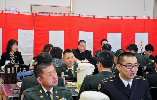 画像10: 「立派な自衛官に」自候生入隊式|青森駐屯地