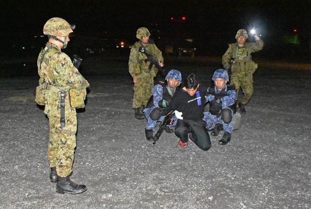 画像3: 陸海空自共同で基地警備訓練|北熊本駐屯地