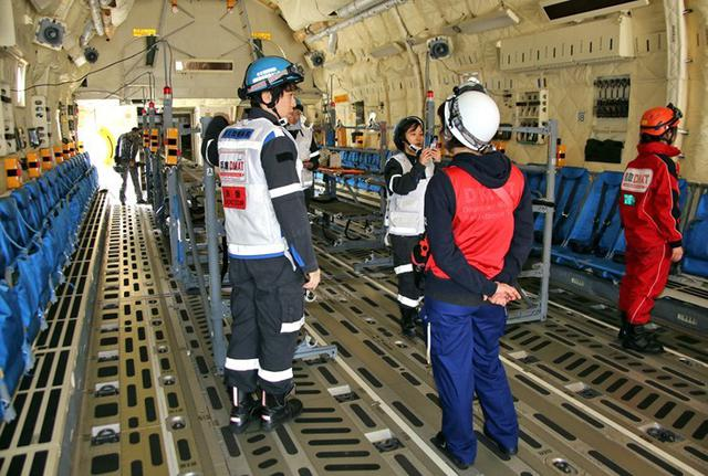 画像2: 原発事故想定 C2での患者搬送を演練|空自美保基地