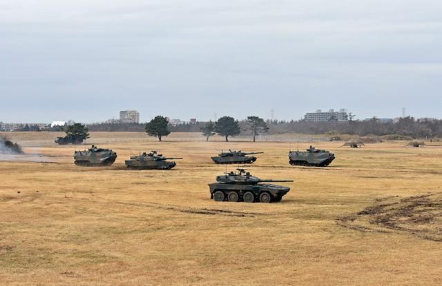 画像11: 1空挺団降下訓練始め 河野防衛大臣も体験|習志野駐屯地