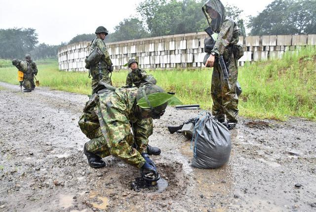 画像3: 部隊精強化へ 防御戦闘訓練|高田駐屯地