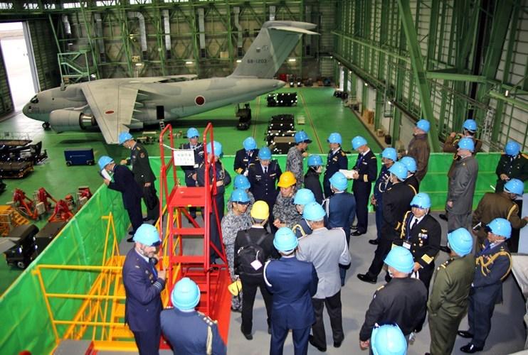 画像2: 25カ国の駐在武官研修に協力 空自美保基地